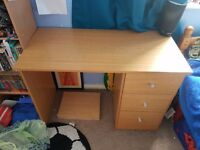Desk with 3 drawers free free