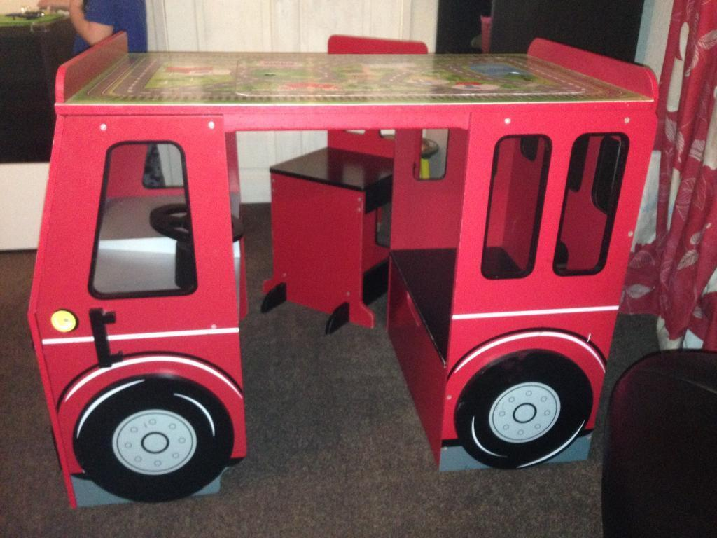 Kids play buss from 1 to 3 years