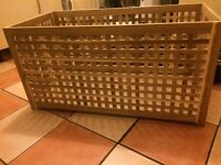 Solid wood lattice storage box