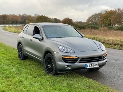 Porsche Cayenne S Hybrid 3.0 V6 Supercharged. OVER £12K OF EXTRAS LOW MILES
