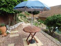 Hardwood circular bistro style folding garden table