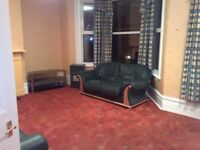Very large 2 bed flat, lovely area, 10 min. walk to Zone 3 Central Line 2 mins walk to Epping Forest