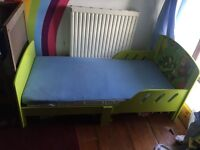 Jungle themed toddler bed