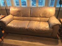 Italsofa Cream Leather 3 Seater Sofa in Excellent Condition