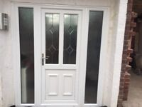 Front door with 2 side panels