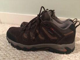 Men's Weather proof hiking shoes - Karrimor