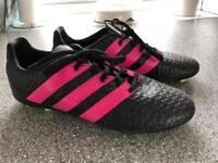 Girls football boots size 5