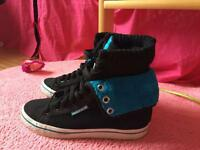 Ladies adidas trainers size 4 as new,can post
