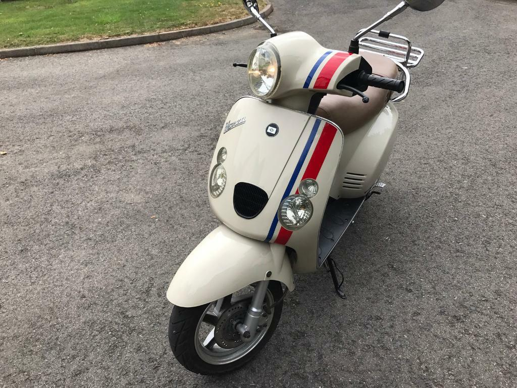 monza moped 50cc vespa like motorbike learner legal full mot italian style scooter baotian in. Black Bedroom Furniture Sets. Home Design Ideas