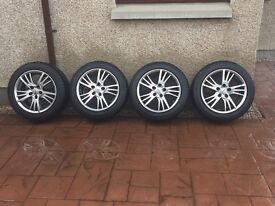 Winter run flat tyres and alloy wheels