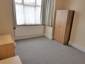 Furnished Room in Shared House near town
