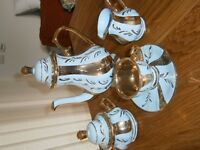 Fancy 15 piece coffee set in blue & gold