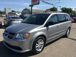 2013 Dodge Grand Caravan SXT w/DVD & Back up camera