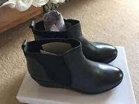 Brand new lotus ladies boots size 6