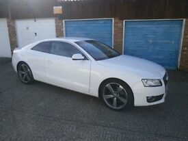 AUDI A5 COUPE 2011 FULLY LOADED COUPE IN WHITE WITH LEATHER .