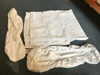 Blanket and fitted sheets for a Moses basket