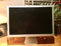 Apple Cinema Flat-Panel Display (23 Inches), circa 2004 - IN EXCELLENT CONDITION