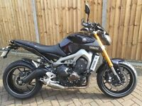2015 YAMAHA MT09, ONLY 2191 MILES, WARRANTY, £1700+ OF EXTRAS, FULL AKRAPOVIC EXHAUST