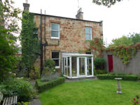 Period detached house with dining room, office, 3 dbl bedrooms, conservatory, garage &private garden