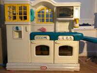 Little Tikes Country Kitchen - Lots of Accessories