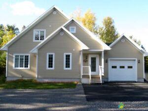 348 000$ - Maison à un étage et demi à vendre à Rivière-Ble