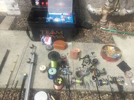 5 Sea Fishing Rods, 10 Fishing Reels, Massive Amount of Fishing Tackle & Deep Sea Weights & Gear