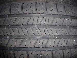 4 pneus d'été Goodyear Assurance, 215/55/17, 35% d'usure, mesure 6-7/32.