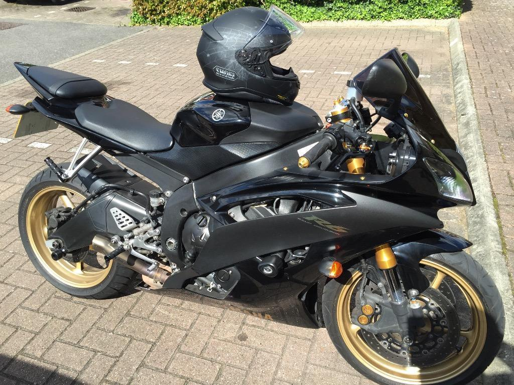 Yamaha yzf r6 black and gold r6 2009 5720 miles in for 2009 yamaha r6