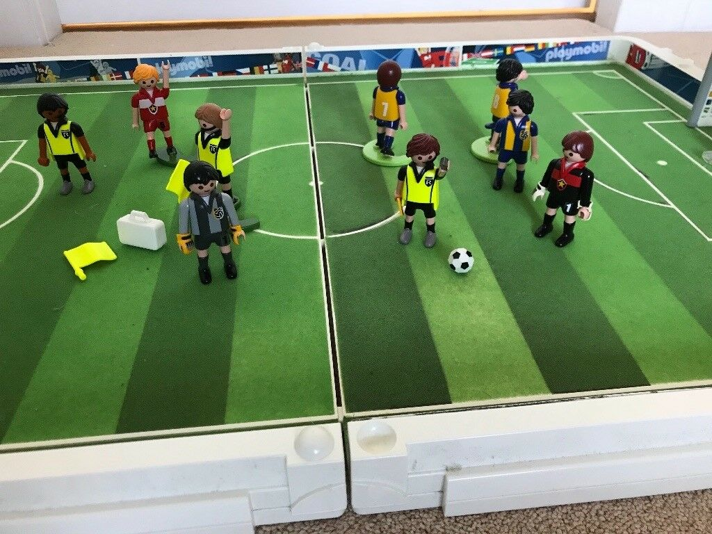 Playmobil carry along football plus extra figures
