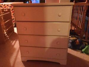 Girls's white dresser
