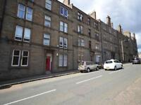 2 bedroom flat in Provost Road, Dundee,