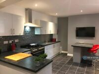 1 bedroom in Stamford Road, Mossley, Ashton-Under-Lyne, OL5 (#1127386)