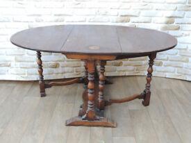 Oak leaf dining table (Delivery)