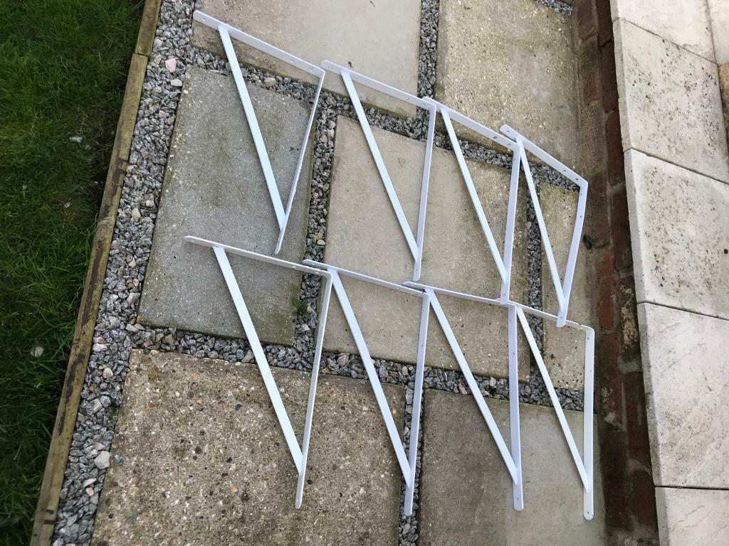 Shelving brackets
