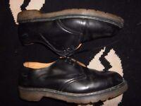 vintage dr marten shoes made in england ,,11s