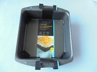 LAKELAND Loose Based Square Deep Cake Tin