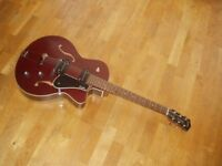 Godin 5th Avenue CW Kingpin II - Burgundy Archtop Semi Acoustic Guitar *MINT*