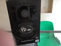 Blue Microphone in very good condition in new condition