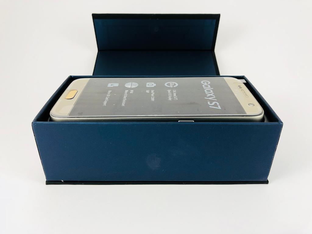 Samsung Galaxy S7 32GB Platinum Gold - NEW CONDITION