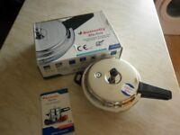 Blueline pressure cooker