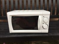 17L Microwave Oven