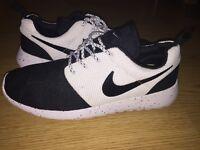 New Nike Running (Black/White)