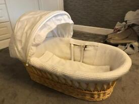 ***BARGAIN*** MOSES BASKET OR KIDS PLAY BABY COT