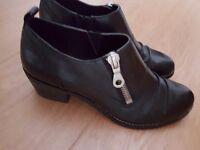 Clarks ladies shoe