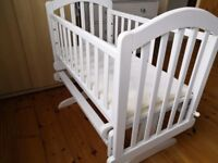 OBaby Swinging Crib - used, excellent condition