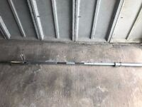 7 foot 20kg chromed and knurled olympic barbell - max weight capacity 272kg
