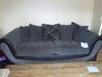 lovely grey and black fabric sofa works (sofaligy) 3 seeter sofer big chair used but good condition