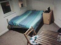 Kingston, Double bedroom in a modern Flat
