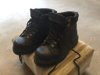 Rugged Outback Hiking Boots size UK 3.5