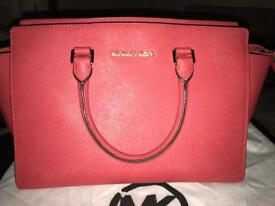 Micheal Kors Hand bag and Purse